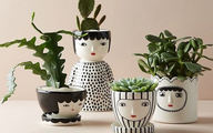 Những món đồ trang trí khiến bàn làm việc của bạn thêm lạ mắt và sinh động