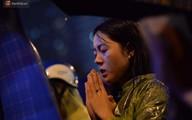 Hàng nghìn người Hà Nội đội mưa quây tụ về chùa Phúc Khánh dịp Đại lễ Vu Lan