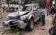 Quảng Nam: Ô tô 'điên' mất lái, tông trúng hai mẹ con đợi xe buýt trên đường, bé trai 5 tuổi chết thảm