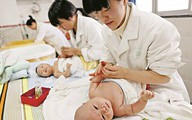 Tâm lý 'ngại đẻ' kéo tỷ lệ sinh xuống thấp kỷ lục