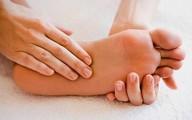4 dấu hiệu dễ thấy ở bàn chân cảnh báo gan đang yếu