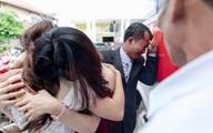 Con gái lấy chồng cách nhà 10km, cha vẫn nước mắt tuôn rơi ầm ầm