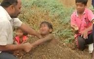 Bố mẹ chôn 10 đứa con để chữa bệnh