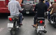Biển số xe 'sinh đôi' khiến cả phố liên tục dụi mắt