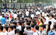 Nhịn đói, nhịn vệ sinh, vật vờ… chờ xin visa Hàn Quốc