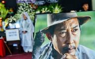 Đồng nghiệp khóc nghẹn trong đám tang nghệ sĩ Lê Bình