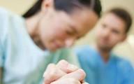 Ngoại tình khi vợ đang mang thai, 14 năm sau chồng quay về xin tha thứ