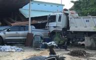 Xe ben phóng nhanh gây tai nạn liên hoàn rồi lao vào nhà dân, 3 người thương vong