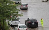 Xúc động hình ảnh các CSGT làm việc tại các điểm ngập úng dưới trời mưa bão