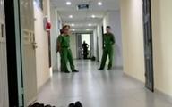 Hà Nội: Nghi vấn người đàn ông tự tử giữa căn hộ sau khi hành hung vợ