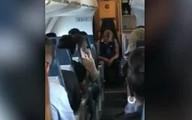Nữ tiếp viên Mỹ say xỉn, ngủ gục trên lối đi suốt chuyến bay