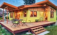 Ngôi nhà gỗ nhỏ xinh và ấm cúng giữa bạt ngàn cây xanh