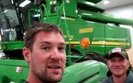 Chàng nông dân kiếm tiền từ Youtube gấp năm lần làm nông