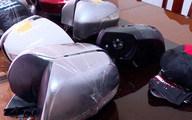 Hàng loạt ôtô bị bẻ gương