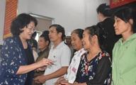 Phó Chủ tịch nước thăm, tặng quà gia đình chính sách và người dân vùng lũ Quảng Bình