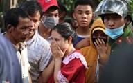 Gào khóc tìm kiếm người thân dưới đất đá ở Trà Leng