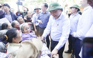 Người dân miền Trung sẽ được hỗ trợ như thế nào từ gói hỗ trợ của Chính phủ sau mưa bão?