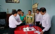 Tổng Công ty Truyền tải điện Quốc gia trao 500 triệu đồng hỗ trợ người dân vùng lũ tỉnh Thừa Thiên Huế