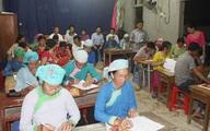 Đẩy mạnh công tác xóa mù chữ, đào tạo nghề cho đồng bào dân tộc rất ít người