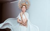 Lý Nhã Kỳ gợi cảm trên thảm đỏ Tuần lễ thời trang quốc tế Việt Nam