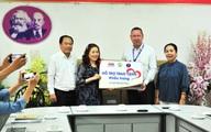 MM Mega Market Việt Nam tặng 20,000 khẩu trang cho bệnh viện Nhi đồng 1
