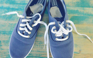 Giày hôi khiến bạn mất tự tin và khó chịu, xử lý đơn giản nhờ những thứ không ngờ có sẵn trong nhà