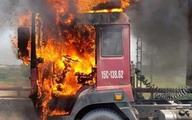Hải Dương: Đang lưu thông trên đường, xe container bất ngờ bốc cháy dữ dội