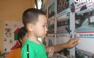 Kỳ lạ bé trai 3 tuổi ở Hải Dương biết đọc cả chữ tiếng Việt và chữ tiếng Anh