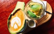Cà phê Latte trong trái bơ