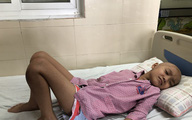 Người mẹ đơn thân cùng cực vì không có tiền cứu con mắc ung thư xương