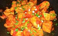Ngon miệng bữa cơm mùa hè với món đậu phụ sốt cà chua