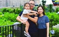 Ông bố đưa vợ bầu, con nhỏ đi phượt 2.000km từ Hà Nội vào Quảng Nam