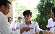 Thí sinh ngồi cách nhau 1,2 m, đeo khẩu trang khi dự thi tốt nghiệp