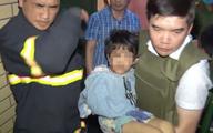Bắt được ông bố hành hạ, đánh đập con gái 6 tuổi trong nhiều ngày