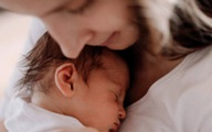 Những câu nói hay nhất về tình yêu của mẹ và con gái