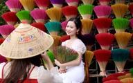 Rực rỡ sắc màu tại làng hương nổi tiếng bậc nhất xứ Huế những ngày giáp Tết