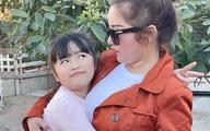 Con gái Thúy Nga sang Mỹ đoàn tụ với mẹ sau một năm