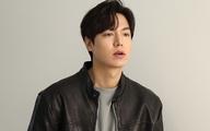Chỉ là ảnh hậu trường nhưng Lee Min Ho cũng khiến hội chị em xốn xang vì nhan sắc cực phẩm