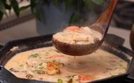 Soup gà nấu theo cách này vừa mới lạ, vừa thơm nức mùi cốt dừa, chị em nhất định phải thử ngay!