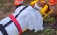 Cụ bà sống sót sau 8 ngày rơi xuống hố nhờ uống nước mưa