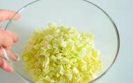 Món ăn giảm cân nhanh: Trưa nào tôi cũng làm bắp cải trộn mang theo ăn trưa, sau 2 tuần giảm cả 3kg!