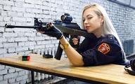 Vệ binh xinh đẹp nhất nước Nga bị đuổi việc vì đăng ảnh lên mạng
