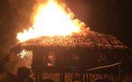Không xin được tiền, con trai 21 tuổi châm lửa đốt nhà bố mẹ