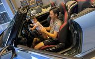 Cường Đô La tiết lộ hình ảnh Đàm Thu Trang đang lái xe vẫn tranh thủ dừng để cho con uống sữa