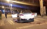 Lái BMW để pô nổ to, tài xế và bạn bị nhóm người lạ vây chém xối xả