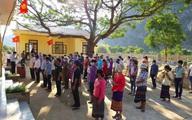 Đồng bào khu vực miền núi, biên giới tỉnh Quảng Bình nô nứcđi bầu cửsớm