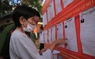 Cử tri đặc biệt - cụ bà 100 tuổi ở Hà Nội hân hoan đi bầu cử