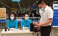 Sau nghỉ lễ, người dân trở lại Hà Nội đồng loạt khai báo y tế