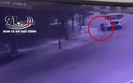 Ôm cua tại ngã ba, khoảnh khắc xe ben cán tử vong người đàn ông đi xe máy khiến tất cả ám ảnh