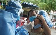 Bố, mẹ và con gái 6 tuổi cùng dương tính SARS-CoV-2